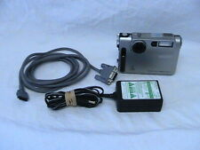 1 USED SONY DIGITAL STILL CAMERA DSC-F1 WITH CHARGER - CARRYING CASE - DIG CABLE