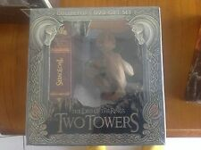 Lord of the Rings - Collector's DVD Gift Set -  The Two Towers comes with Statue