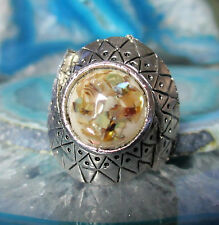Ring Vintage Style Tibet Silver Intertwined Form Shell Pearl Coloured