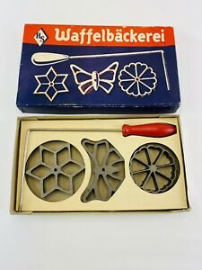 Vintage HS Waffelbackerei Metal 4 Piece Set Waffle Molds Made in Germany