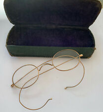 VINTAGE WIRE GOLD TONE OVAL RIMMED SPECTACLES WITH CASE