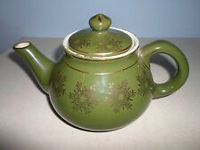 Used Green Weller Ware 2 1/2 Cup TeaPot Tea Pot w/ Gold Inlayed Design Olive