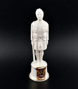 Savoy Crested China WW1 Highland Infantryman * Dunfermline *