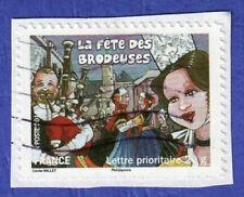 TIMBRE 2011 LA FÊTE DES BRODEUSES OBLITÉRÉ SUR FRAGMENT