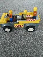 Lego construction 👷 site car with mini figures x3