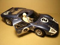 FIGURINE 1/18  KEN MILES  DRIVING  FORD MK II  EXOTO  SHELBY COLLECTIBLES  VROOM