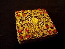 Boite pilulier carrée métal doré arabesques Art-Nouveau