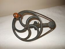 VINTAGE SPOOL SPOOLING BOBBIN WINDER CAST IRON