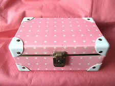 VINTAGE GIRLS DOLL PINK WITH WHITE HEARTS WARDROBE /JEWERLY TRUCK CASE