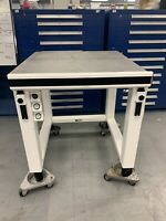 Kinetic Systems 120944-10 Vibraplane Vibration Table w/ 9101-21-HE5 Workstation