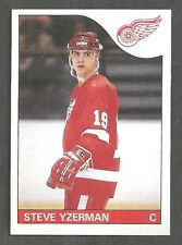 Steve Yzerman 1985-86 Topps Detroit Red Wings 2nd Year Hockey Card