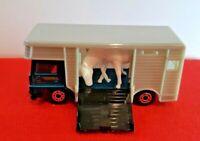 1999 Matchbox #87 HORSE BOX TRUCK Kentucky Stables Farm, Blue And Grey, Mint
