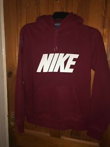 Mens burgundy Nike over the head hoodie. Size medium. New without tags.