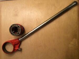 "Ridgid Pipe Threader 12-R T2 (30118) Ratchet & Handle with 1 1/4"" Die"