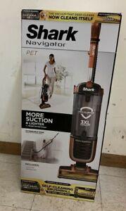 Shark Navigator ZU60 Zero-M Self-Cleaning Brushroll Pet Pro Upright Vacuum - NEW