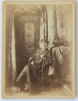 Woman Pose in Un Interior Vintage towards 1890