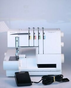 Husqvarna Viking Huskylock s21 Sewing Machine W/ Foot Controller