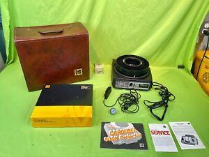 Nice Kodak Model 750H Carousel Slide Projector w/ Leather Case and Slide Tray!