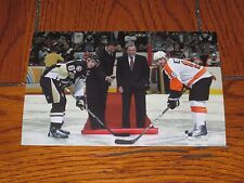 GARY BETTMAN AUTOGRAPHED  4X6 PHOTO WITH CROSBY AND LEMIEUX
