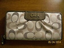 COACH SIGNATURE ACCORDIAN STYLE ZIPAROUND WALLET NWOT