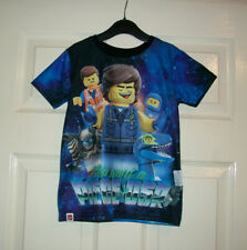 BOYS BLUE MULTI LEGO THE MOVIE MOTIF T- SHIRT / TOP AGE 4-5  YEARS BNWT