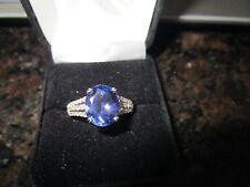 Stunning Tanzanite and Diamond 18K white gold ring size 7 3/4