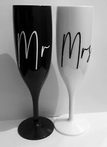 'Mr and Mrs' Personalised Champagne Flutes