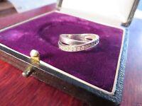 Schmaler 925 Silber Ring Zirkonia wie Diamant Verkreuzt Luftig Glatt Liebreizend