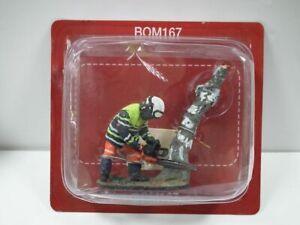 Firemen Figure, Fireman W/Forestry Trousers-Sens-France 09, 1/32 scale.