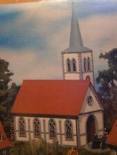 Faller H0 130239 Dorfkirche weiß mit Fensterbildern Bausatz NEU
