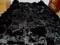 Felldecke schwarz, GOTIK  Pelzdecke für WG  Lammfelldecke für Goths,Toskanadecke