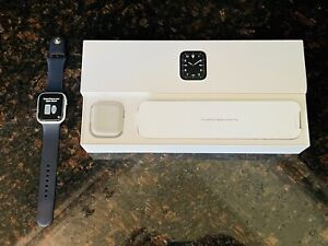 Apple Watch Edition Series 5: White Ceramic 44mm Unlocked GPS/LTE - Pristine