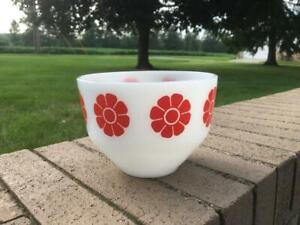 """Vintage 8"""" Federal Glass Bowl Milk Glass RED DAISY !"""