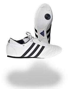 Adidas Taekwondo Schuhe, stammen aus dem TKD Mutterland Korea, der SM II Sneaker