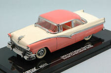 Ford Fairlane Hard Top 1956 Coral Pink / Ivory 1:43 Model 36275 VITESSE