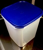 TUPPERWARE NEW USA VINTAGE MODULAR MATES #1622 CONTAINER 23 CUPS W BLUE SEAL