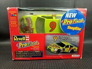 Revell NASCAR Pro Finish Snaptite Scooby Doo Model Kit Vintage 1998 Jerry Nadeau