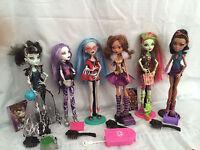 Monster High lot Robecca steam, Frankestein, Spectra, Clawdeen, Venus, Ghoulia