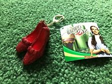 THE WIZARD OF OZ SPARKLE RED RUBY SLIPPERS KEYCHAIN NEW