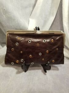 HOBO INTERNATIONAL BROWN LEATHER DOUBLE FRAME DECORATIVE LARGE CLUTCH IN GOOD CO