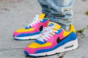 New Mens Nike Air Max 90 in University Gold/Black Colour Size 11