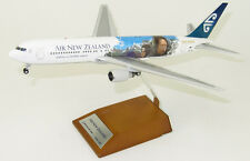 JC Wings 1:200 Air New Zealand Boeing B767-300(ER) 'LOTR' ZK-NCG (XX2861)