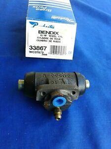 Bendix Rear Wheel Cylinder # 33867 Fits Left or Right Raybestos # WC37573