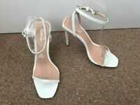 Ladies Boohoo White Sling Back Peep Toe High Heels Size 5 SB2