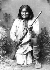 1886 Photo of GERONIMO with rifle-Chiricahua Apache tribe