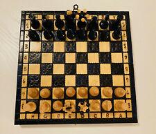 Schach Spiel aus Holz Handarbeit in blau und beige / wie neu