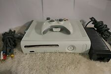 Microsoft Xbox 360 Pro Gaming Console - White 60GB HDD (NTSC) One Controller