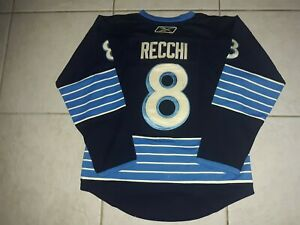 MARK RECCHI PITTSBURGH PENGUINS 2011 WINTER CLASSIC HEROES THROWBACK