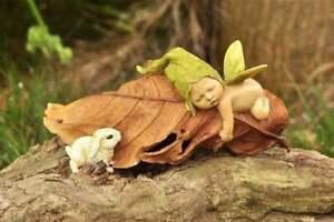 Miniature Dollhouse Fairy Garden Sleeping Fairy Garden Baby with Baby Rabbit - B