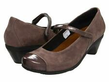 Naot Women's Flare Patent Cap Toe Leather Mary Jane Chunky Heels Sz 42 US 11